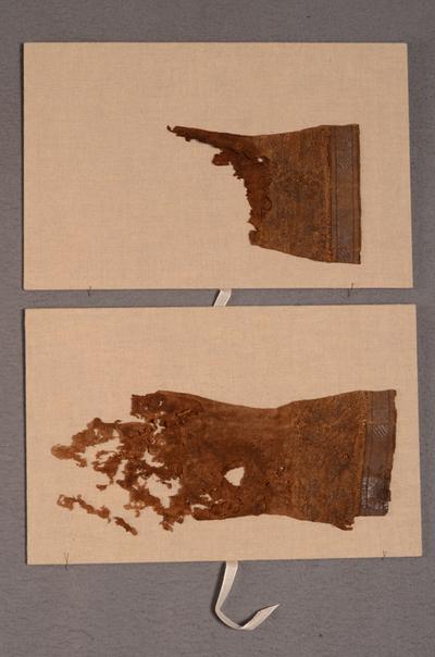 Paar bisschopshandschoenen (fragmenten)