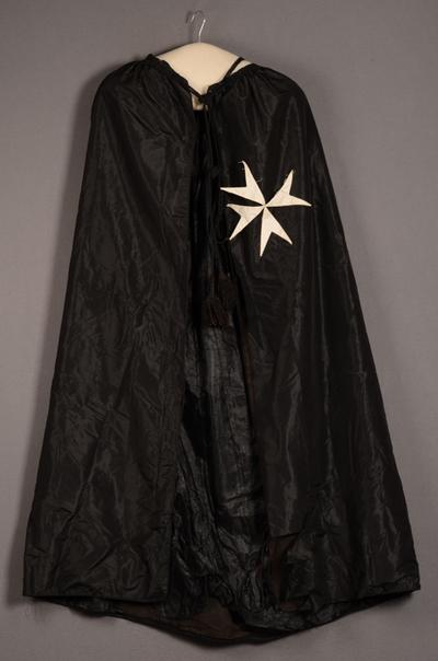 Mantel van Johannieter ridder