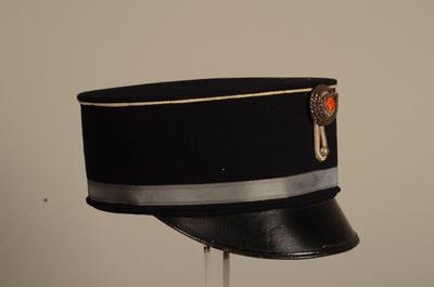 Herenpet behorend bij uniform van een adjudant van de infanterie van de Utrechtse Schutterij