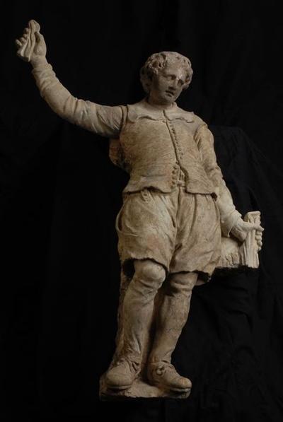 Beeldhouwwerk jongensslaapzalen Burgerweeshuis, rechter jongen (pendant 10095 A)