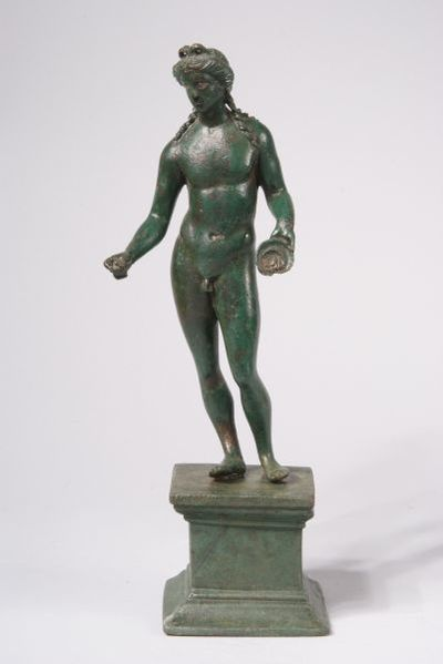 Статуетка на Аполон