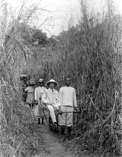 missionär, bärstol, tropikhjälm, fotografi, photograph@eng