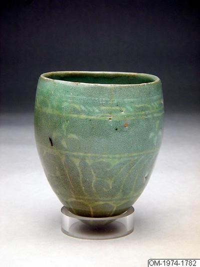 Kopp, Kopp med celadonglasyr och dekor i inlagd arbete., Cup, Household utensil