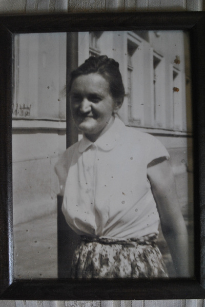 An early medicine doctor and role model in the family: my grandmother's sister