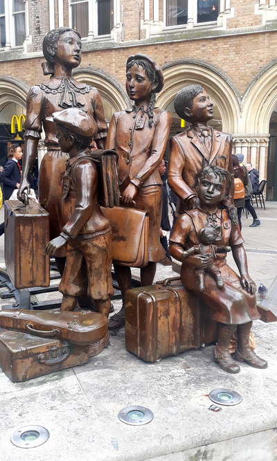 Kindertransport memorials, Liverpool Street Station, London