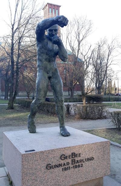 Statue of Gunnar Bärlund