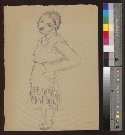 Portret stojącej młodej kobiety zwróconej w lewo