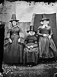 [My mother (sitting), Shan y Lliwdy and Bontfaen maid (1867)]