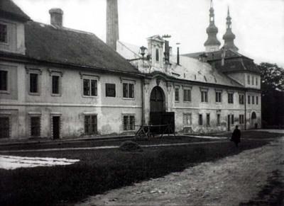 Slavnost odhalení pomníku českých bratří na Růžovém paloučku a J. A. Komenského v Litomyšli - picture 2