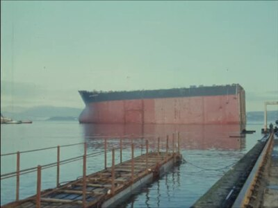 [LAUNCH OF BOW SECTION OF FIRST SUPER SUPER-TANKER AND INTERVIEW WITH MANAGING DIRECTOR OF LITHGOW SHIPYARD]
