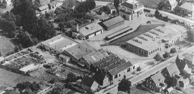 Overzicht van het complex van de Sparta oijwielen en Motoren Fabriek.