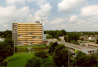 Verzorgingstehuis 'De Veenkamp', gezien in westelijke richting.
