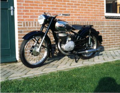 Sparta motorfiets, weer opgebouwd. Zie ook Po006891B