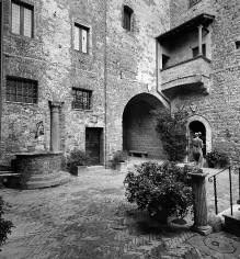 Palazzo Massaini & Castello di Bibbiano Cacciaconti —