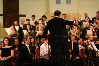 Concert vocal simfonic - ''Requiemul german'' pentru cor , solisti si orchestra de Johannes Brahms; Dirijor - Cristian Mandeal. Festivalul International ''Musica Sacra''