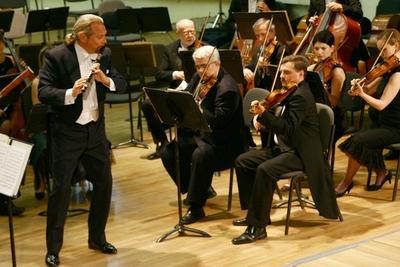 Concert simfonic - Dirijor si Flautist: Patrick Gallois - Franta