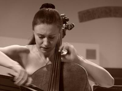 Concert simfonic, solista Tatjana Vassiljeva - violoncel, Rusia