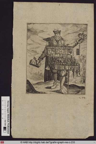 Ein Mann mit Flugblättern und einem Bauchladen, angefüllt mit Spielkarten, Schmuck und Gebrauchsgegenständen, in der rechten Hand ein Objekt mit den Aufschriften Türkenschrifft, Chrisstegifft, Ein Nar haltend.