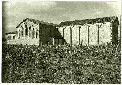 Sindicat Agrícola de Les Cabanyes. Vista exterior de la bodega cooperativa.