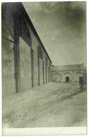 Sindicat agrícola del Pla de la Cabra (Tarragona). Façana de la bodega cooperativa.