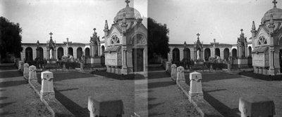 Panteó de la família Ortoll al cementiri de Vilanova i la Geltrú.