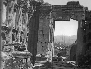 Baalbek, Blick auf den Bacchus-Tempel