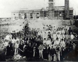 Bau der Kraftzentrale in der Eisenhütte Holstein in Schacht-Audorf