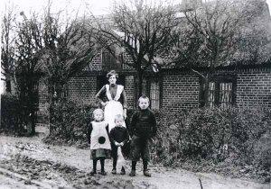 Holsteiner Str.2 um 1912, Schulhaus später Armenhaus