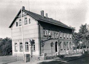 Grauer Esel Schulhaus von 1904
