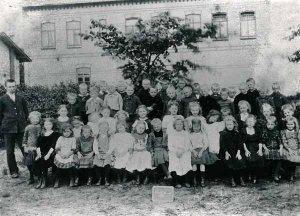Schule an der Dorfstrasse, Schulklasse von 1911