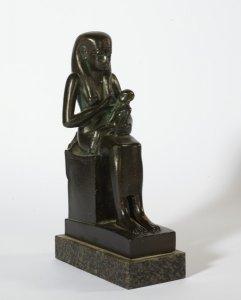 Isis stillt den Horus-Knaben