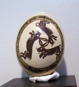 Bemaltes ausgepustetes Ei