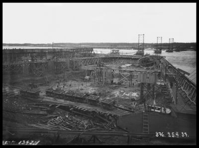 Vagonetes būvmateriālu transportēšanai Ķeguma spēkstacijas būvlaukumā. 1937.gada 25.marts