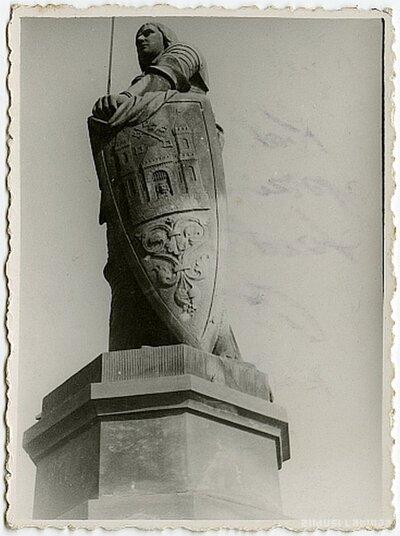 Vecrīga. Rolanda statuja