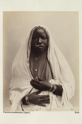 Fotografi. Porträtt av sudanesisk kvinna.