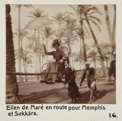 Fotografi. Ellen de Maré på väg till Memfis och Sakkara, Egypten.