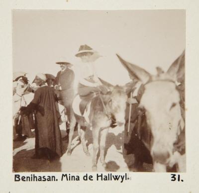 Fotografi. Wilhelmina von Hallwyl i Beni Hasan, Egypten.