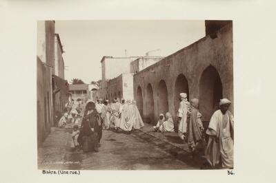 Fotografi. En gata i Biskra, Algeriet.