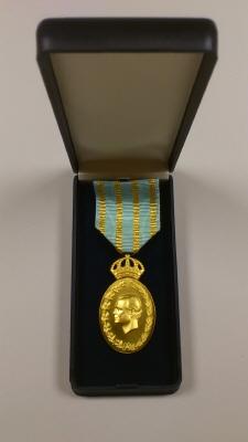 Etui till Carl XVI Gustafs jubileumsminnestecken II  (i herrmontering) med anledning av 40 år på Sveriges tron.