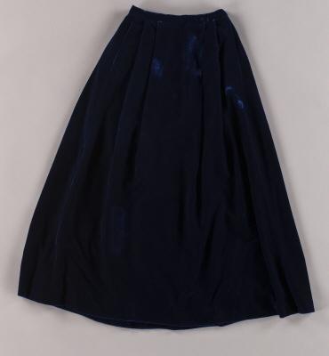Kjol till den nya svenska hovdräkten som tillhört hovmarskalk Elisabeth Palmstierna.