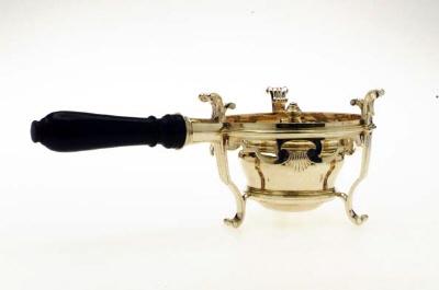 Värmekök, oljelampa, tillhörande Adolf Fredriks resekök(16-23).