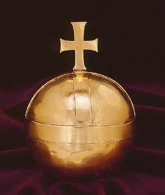 Riksäpple av guld, tillhörande Karl X Gustavs begravningsregalier (nr 47-53).
