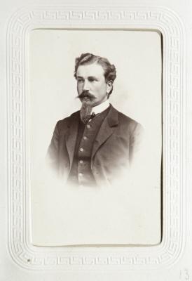 Fotografiporträtt på Hans von Hallwyl.