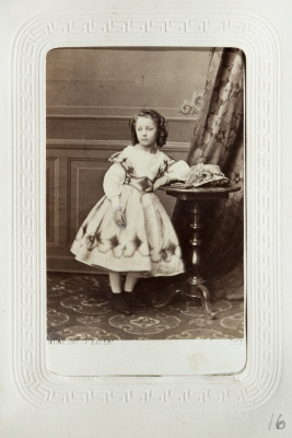 Fotografiporträtt på Agnes von Hallwyl.