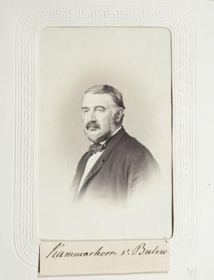 Fotografiporträtt på Adolph von Bülow.