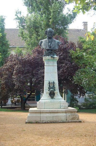 Gyula, Erkel Ferenc szobra