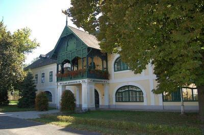 Mezőhegyes, Ménesparancsnoki épület