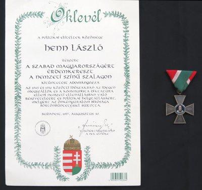 Szabad Magyarországért érdemkereszt és oklevél