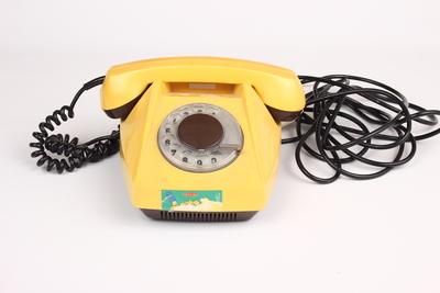 Telefon na připojování linky
