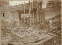 Bouwput voor het stoomgemaal aan de Admiraliteitskade gezien vanuit de Slaak, 1898-1899